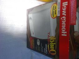 Honeywell Quick Heat Ceramic Space Heater HZ-315 White New O